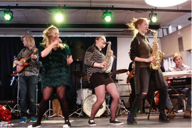 Unge musiktalenter på scenen
