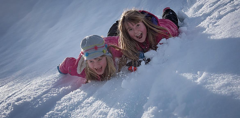 billeder af børn i sneen