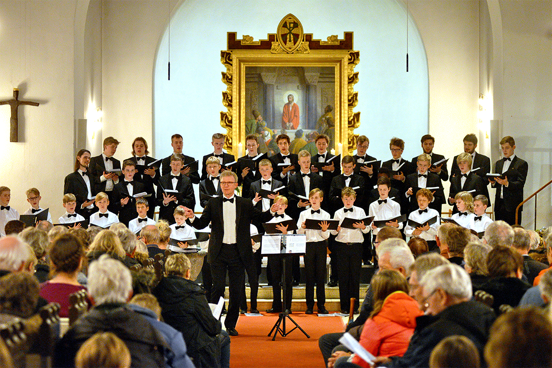 Herning Kirkes Drengekor i Herning Kirke, juletræstænding 2016