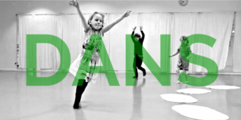 Lille pige, der danser