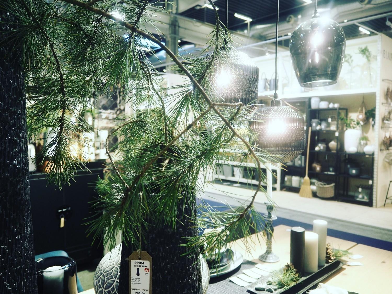 Fyrtræ og lamper
