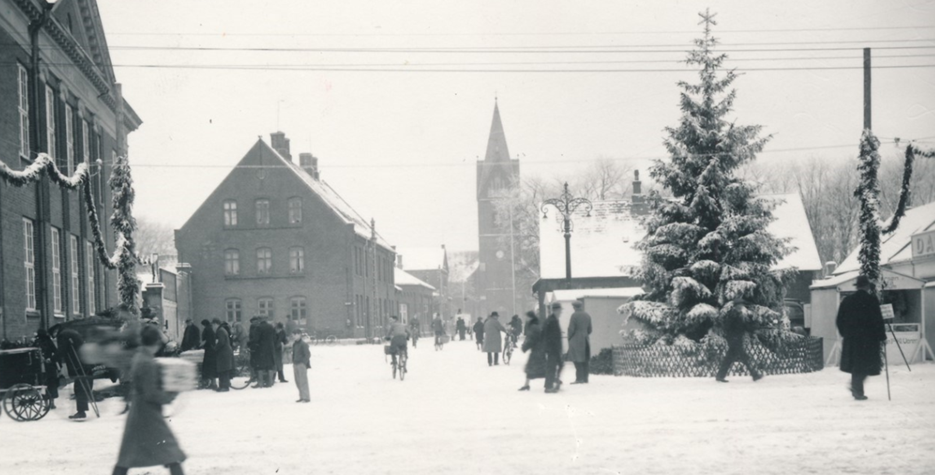 Juletræet på Torvet 1937, arkiv.dk
