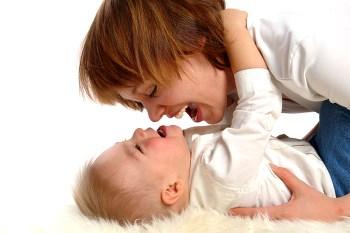 Billede af baby og mor